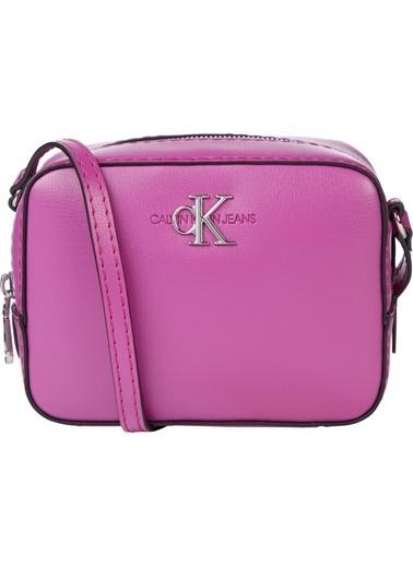 Calvin Klein  Ayarlanabilir Askılı Çanta Kadın Çanta K60K607485 Vıb Renkli